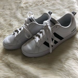Womens' Adidas Black/White Shoes Size 7